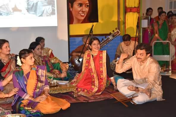 Speak at Thakur bari-r andormohol